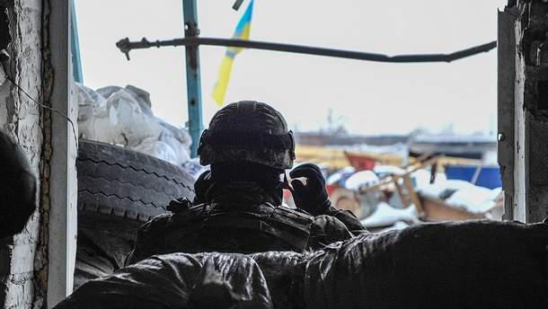 Військовий на позиціях біля Авдіївки