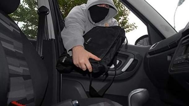 Пограбували авто депутата Верховної Ради