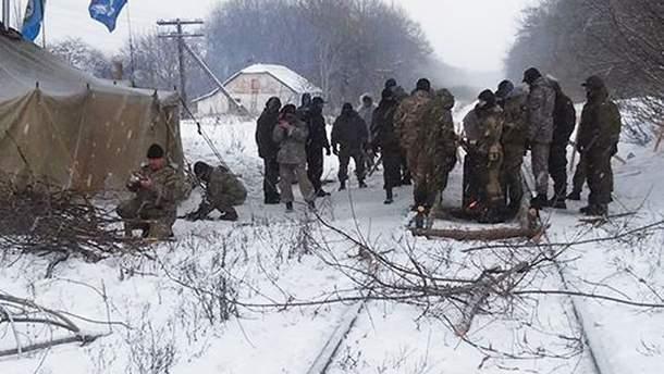 Участники блокады Донбасса опасаются, что их могут разогнать силой