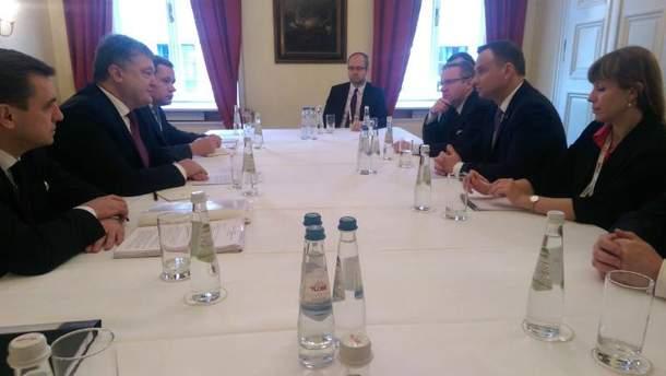 Петр Порошенко провел встречу с Анджеем Дудой