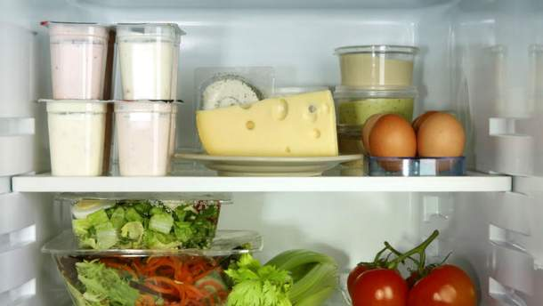 Продукти в холодильнику