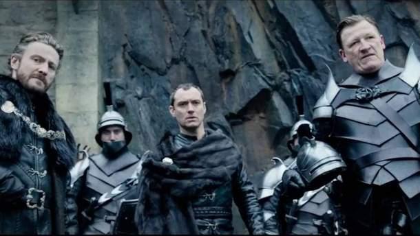 """Кадр з фільму """"Король Артур: Легенда меча"""""""