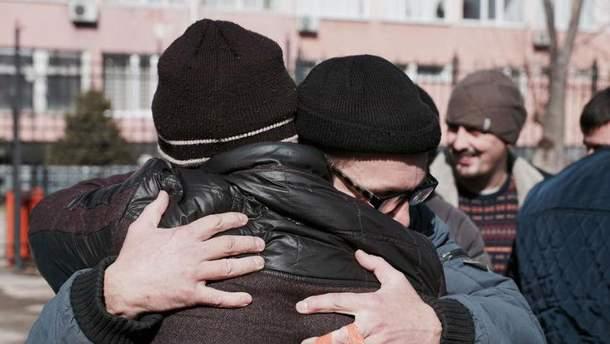 Освобождение крымских татар из-под ареста