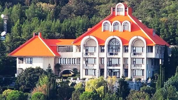 Кримська резиденція президента відтепер під арештом