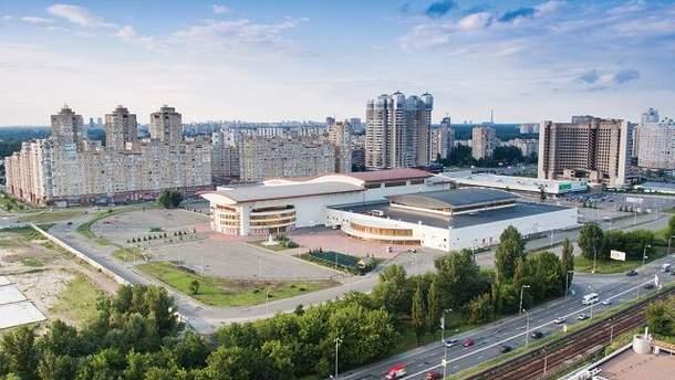 """Міжнародний виставковий центр біля станції метро """"Лівобережна"""""""