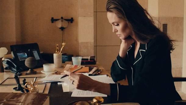 """Анджелина Джоли для """"Guerlain"""""""
