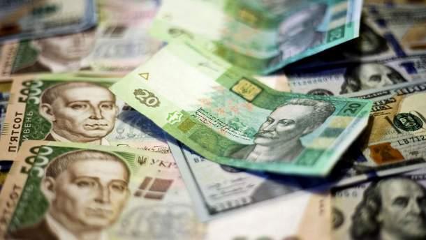 Курс валют в понеділок фактично не змінився