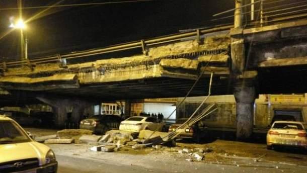 Ввечері 27 лютого на Шулявці обвалився міст