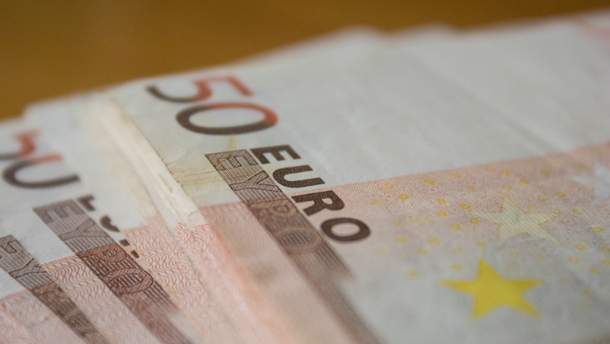 Средняя зарплата в Украине меньше 150 евро