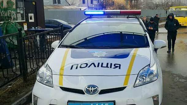 Работники полиции на месте инцидента
