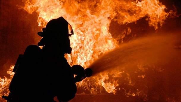Пожежа на автостоянці (Ілюстрація)