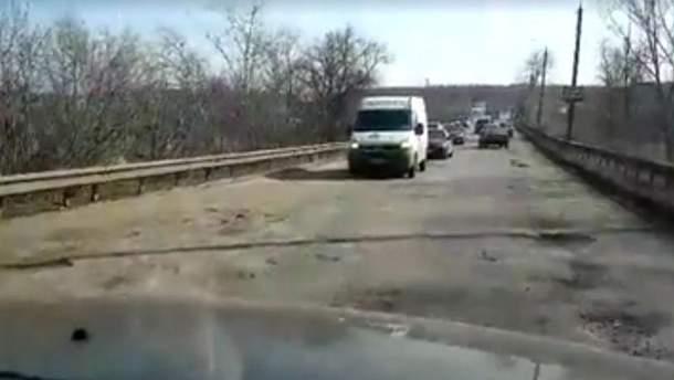 Жахливий стан українських доріг