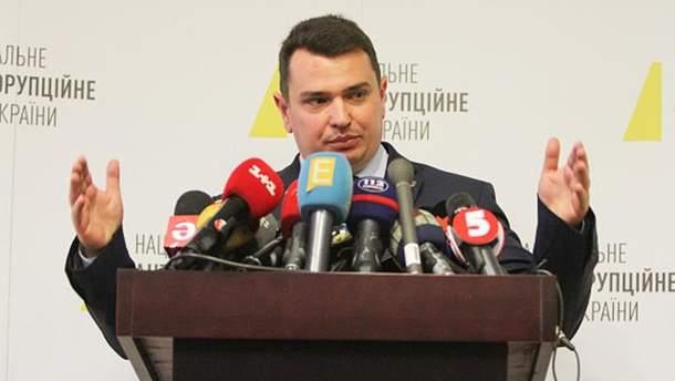Артем Ситник заробив більше сотні тисяч у лютому
