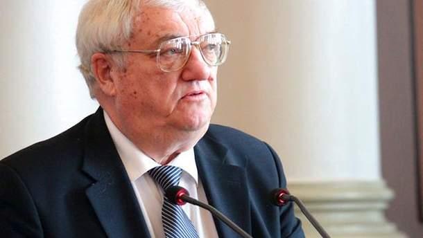 Юрий Щербак подчеркивает, что Украине нужно осторожно обращаться с Россией