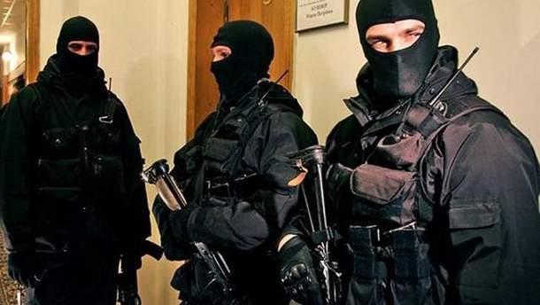 Правоохоронці обшукали Клюєва та оточення Януковича