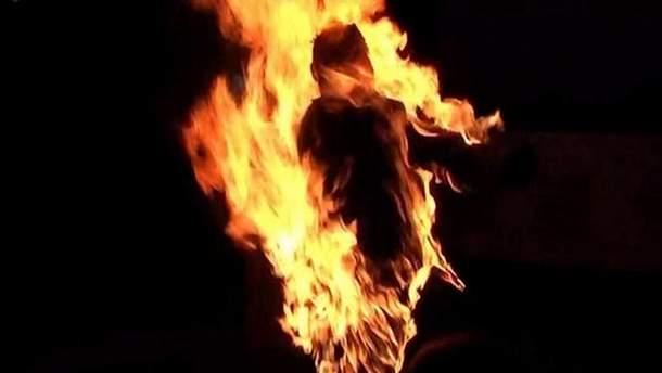 Женщина хотела покончить с собой путем самосожжения