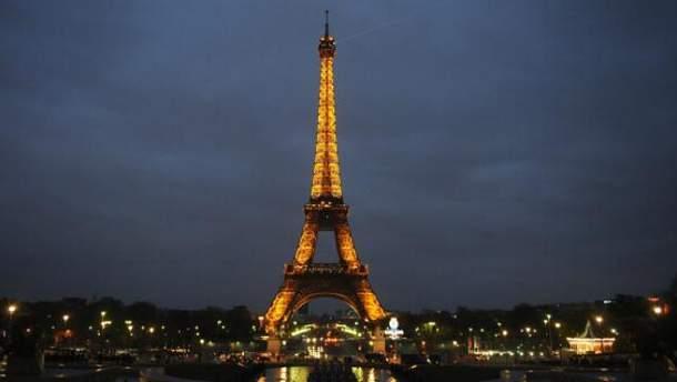 Якщо ви вже в Парижі, обов'язково підніміться на Ейфелеву вежу