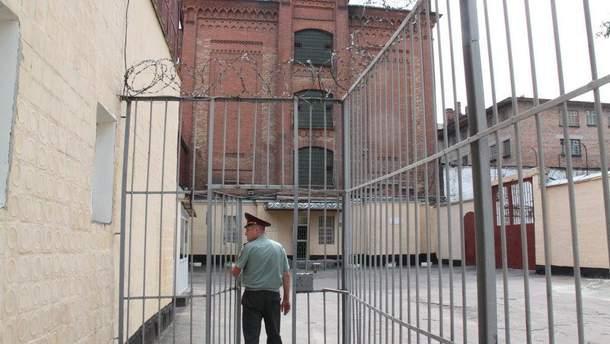 В тюрьмах за три месяца умерло около 150 человек