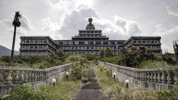 Покинуті готелі