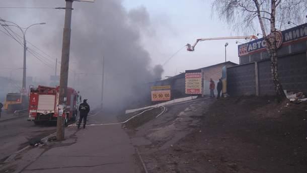 Пожар на Позняках в Киеве