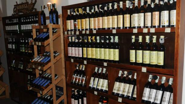 Магазин вина у Криму