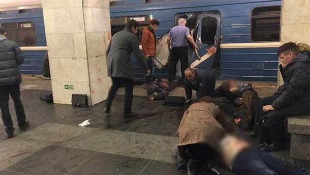 Місце вибуху у метро в Петербурзі