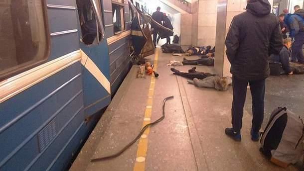 Из-за взрыва в метро Петербурга в городе усилены меры безопасности