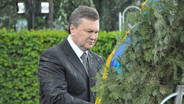Виктор Янукович остался без портрета любовницы