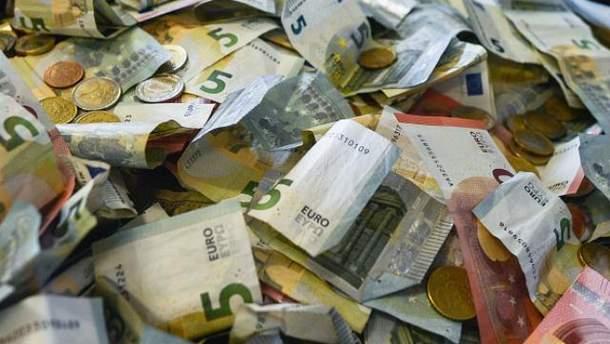 Евро и доллар немного подорожали