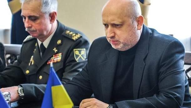 Турчинов заявил о попытке боевиков изменить линию разграничения на Донбассе