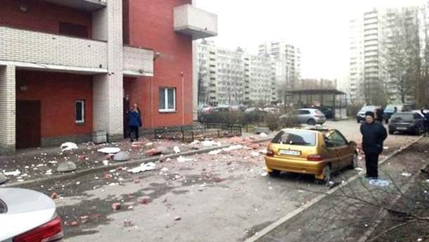 В МЧС России опровергли взрывы в доме Санкт-Петербурга