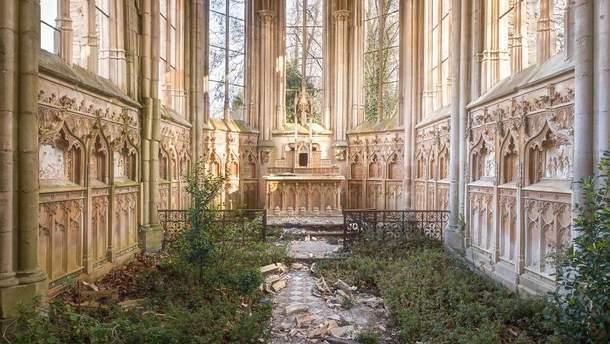 Храм во Франции, сегодня в состоянии ремонта