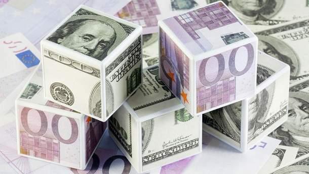 Гривна разваливает позиции евро и доллара