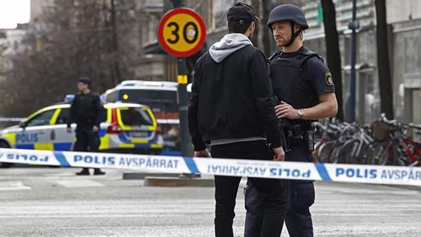 Робота працівників поліції на місці трагедії