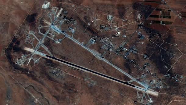 """Ракетный удар США по авиабазе """"Шайрат"""" в Сирии"""