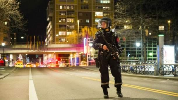Работа полиции на месте инцидента в Осло
