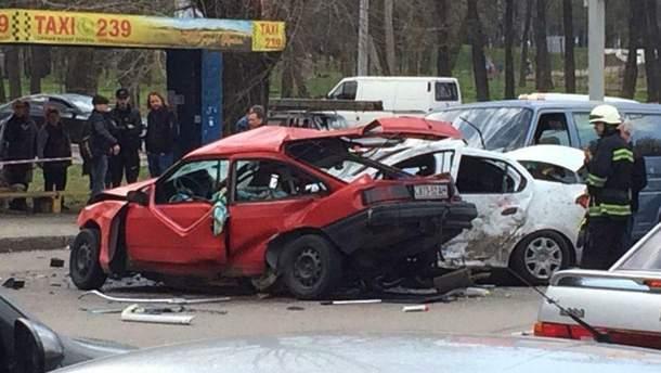 Фото с места аварии в Днепре