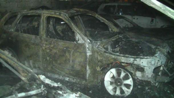Пожар на автостоянке в Харькове