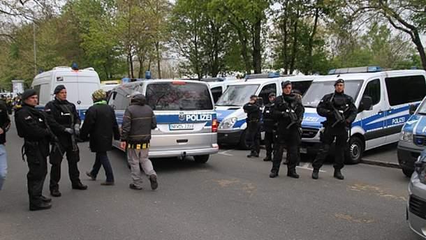 """У Німеччині триває слідство щодо вибухів біля автобуса """"Борусії"""""""