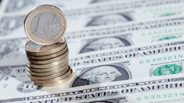 Доллар и евро синхронно дорожают