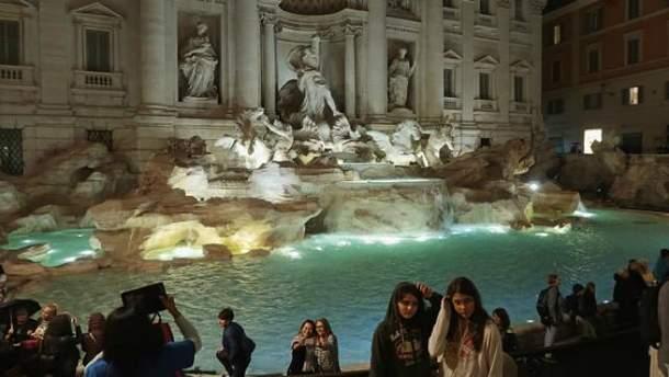 Римские фонтаны довольно популярны среди туристов