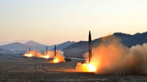 Запуск балістичних ракет