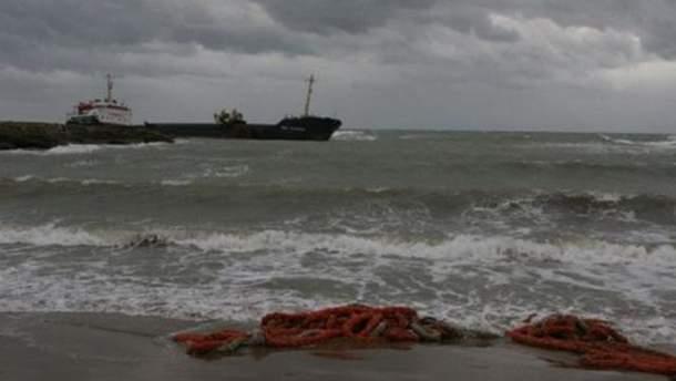 Судно потерпело крушение в Керченском проливе