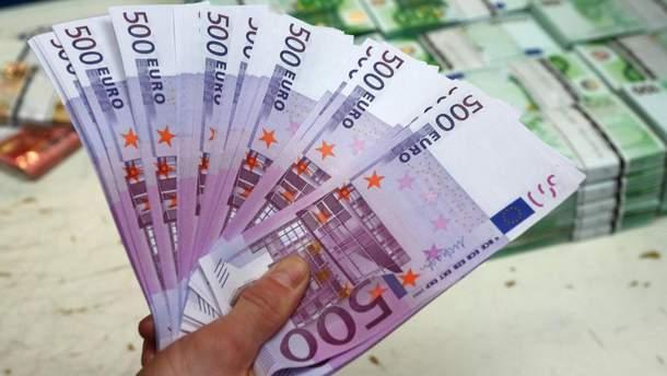 Евро подорожал сразу на 11 копеек