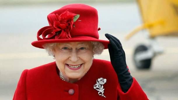 Єлизавета ІІ шукає дворецького