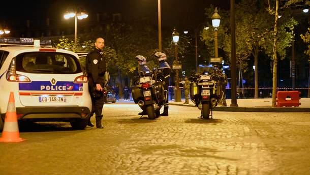 Французькі поліцейські на місці злочину у Парижі