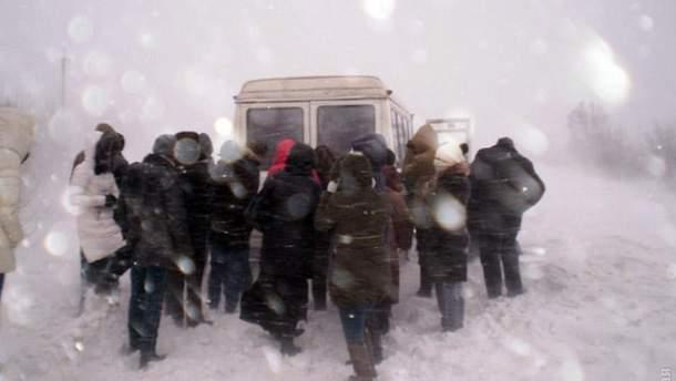 Почти сто водителей стали заложниками непогоды в Одесской области