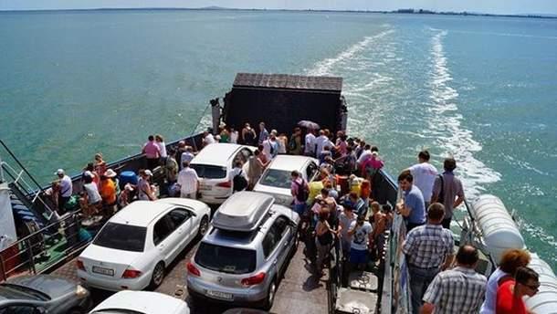 Керченская переправа в Крым приостановила работу