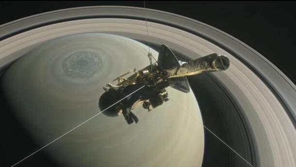 Космический аппарат Cassini на Сатурне