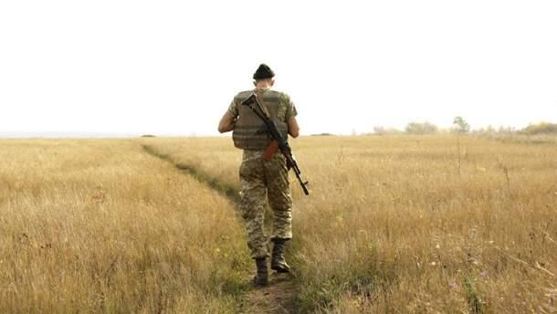 Український військовий в зоні АТО